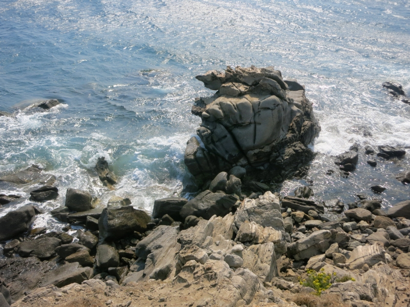 mykonos_rocks