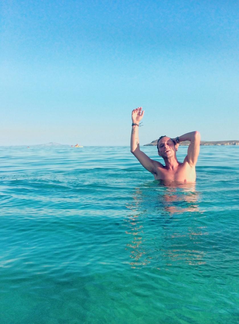 stylentonic_paros_beach
