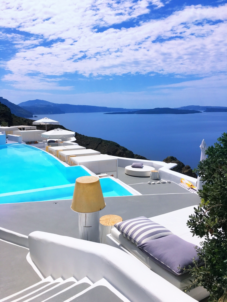 kirini_suites_and_spa_oia