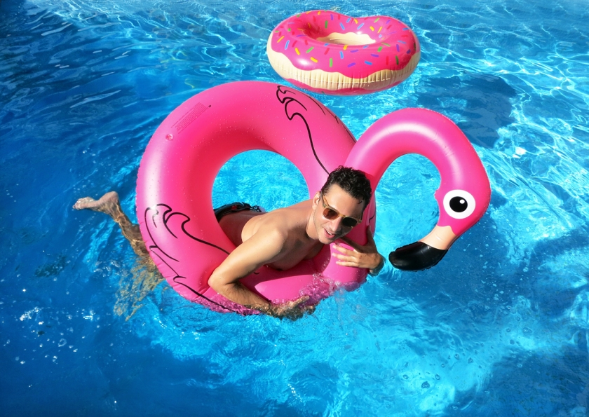 pool_float_flamingo_stylentonic