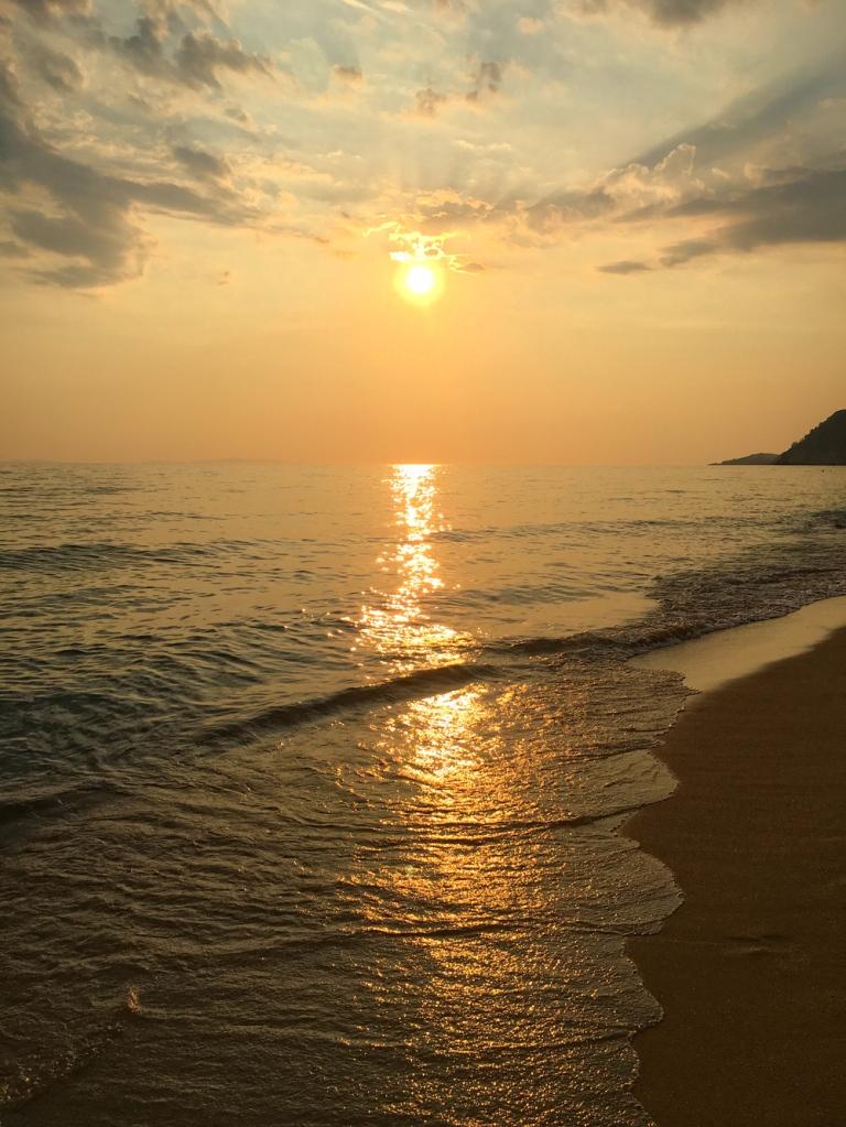 golden_hour_sunset_greece
